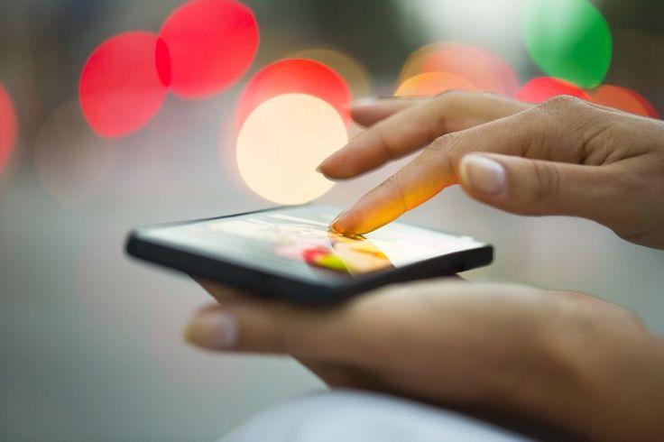 China veta informações políticas em aplicativos de mensagens de celulares